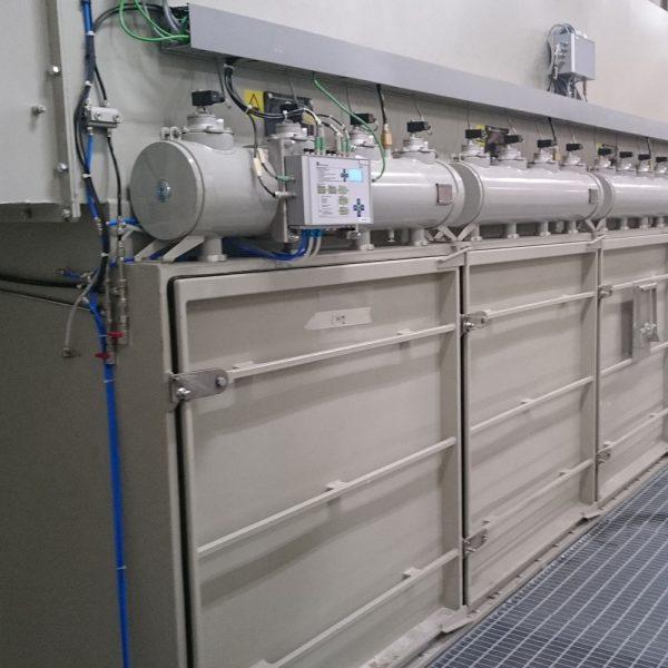 PFMG-22 närbild på trycktankar och servicedörrar på serviceplan
