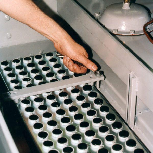 Byte av filterkassett i industridammsugare KLM-30